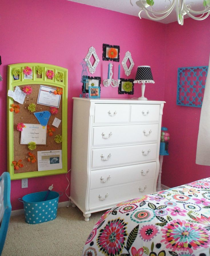 Adorable Tween Bedroom Design Idea For Girls With Fuchsia Wall, White Drawer Chest, And Black
