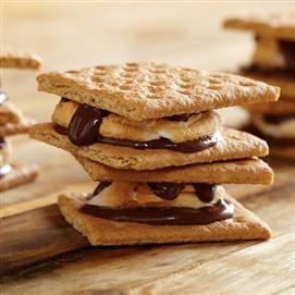 Microwave Chocolate Hazelnut S'Mores  #stockpilingmoms
