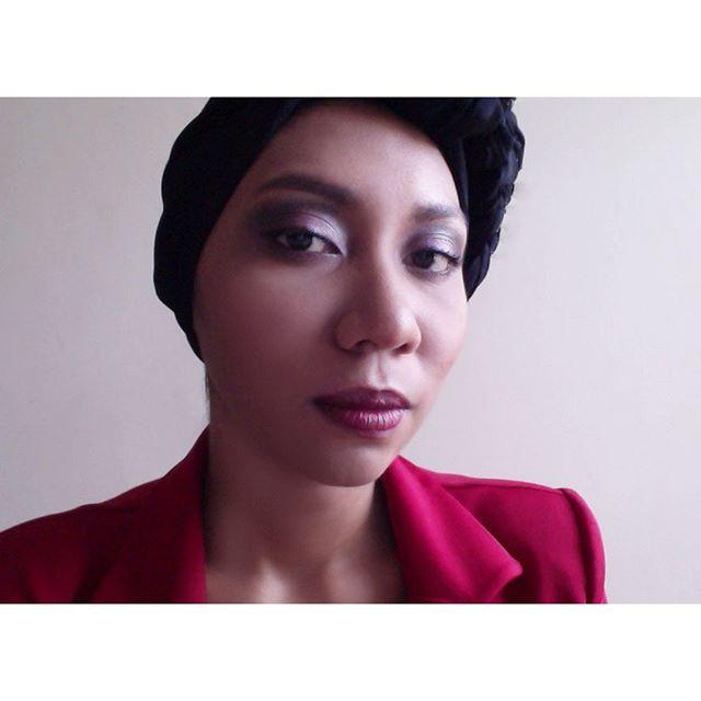 Ceritanya mau makeupan seperti vampir-vampir gitu, berhubung mau Halloween. Cuma karena gagal jadinya judulnya ganti. Fall look in Indonesia yang cuma dua musim. Hehehe... . . . . . . . . . . . . . #makeupartist #makeupaddict #instamakeup #makeupjunkie #w (scheduled via http://www.tailwindapp.com?utm_source=pinterest&utm_medium=twpin&utm_content=post111771201&utm_campaign=scheduler_attribution)