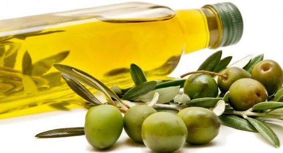 The diet to reduce tummy fat must include olive oil. It is important to substitute other vegetable oils with extra virgin olive oil because the presence of monounsaturated fats in this oil helps in lowering the level of LDL #cholesterol and increasing the level of HDL cholesterol in the blood.