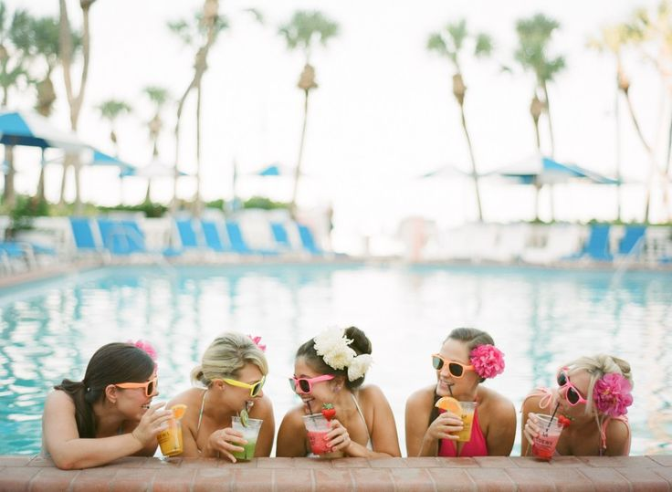 Bachelorette Pool Party, http://mytrueblu.com/2016/06/03/6-tips-throwing-epic-bachelorette-pool-party/