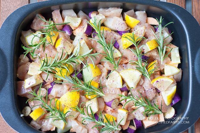 Куриная грудка запеченная с бататом, баклажанами, лимонами и розмарином - Завтраки, обеды, ужины