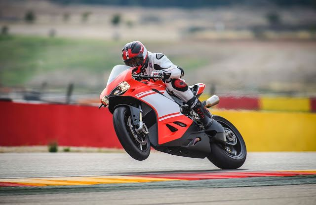 Ducati 1299 Superleggera High Res Photo Gallery