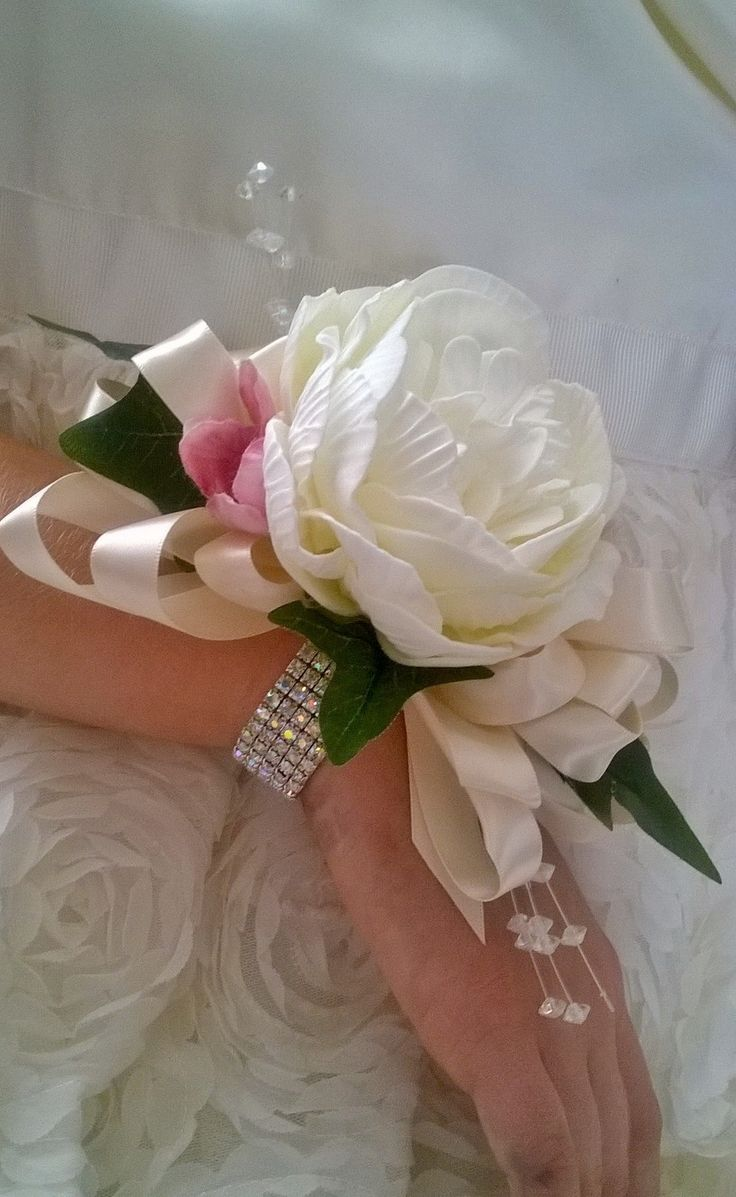 Liverpool flowers prom corsage