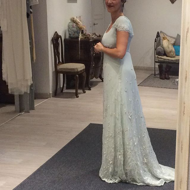 'En el sur, ayer, Elena. Me ha hecho muchísima ilusión formar parte de esto! Vestido todo bordado a mano! #elenabausecasa #inunez #inuñez #isabelnunez #isabelnuñez #fashion #fashiondesign #style #bride #bridal #wedding #weddingdress #embroidery #handmade #madeinspain #dress #design #detail #designer' by @inunezdesign.  #bridesmaid #невеста #parties #catering #venues #entertainment #eventstyling #bridalmakeup #couture #bridalhair #bridalstyle #weddinghair #プレ花嫁 #bridalgown #brides #engagement…