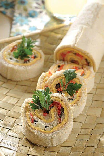 El sandwichón de atún es una preparación que puedes servir como entrada, botana o incluir en el lunch de los pequeños.
