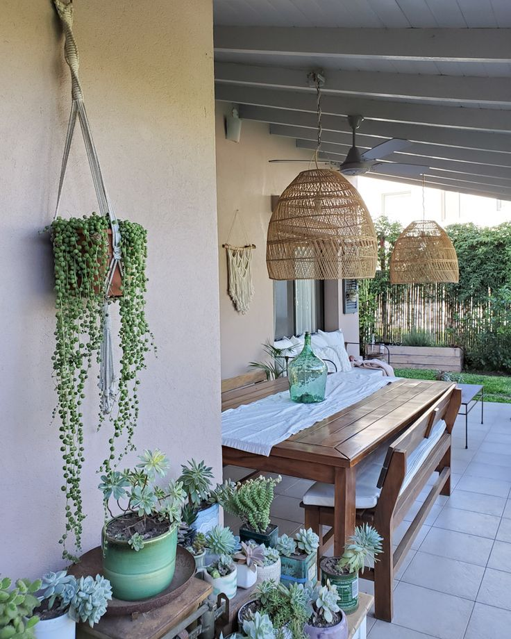 Feliz cambio de color para el techo de la galería / Vero Palazzo - Home Deco Small Patio, Pergola, Barbie, Outdoor Structures, Rustic, Spaces, Interior Design, Outdoor Decor, Home Decor