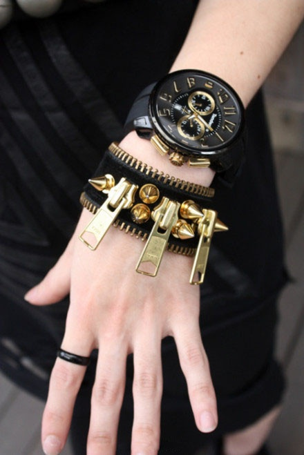 .: Woman Watches, Arm Candy, Fashion Details, Zippers Bracelets, Sick Bracelets, Black Watches, Black Gold, Accessories, Super Girls
