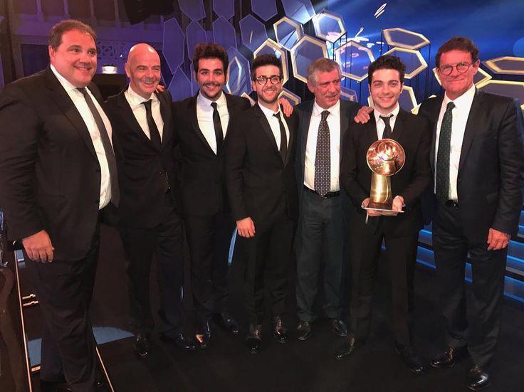 Repost barone_piero  Presidenti e allenatori, il mondo del calcio è qui! A Dubai, al @globesoccer