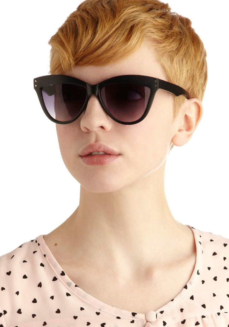 1000+ images about Short hair/French chic inspiration on Pinterest | Short brown bob, Glasses ...