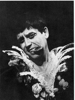 Romeo & Giulietta . Regia di Carmelo Bene, 1976. Nostra Signora s.r.l.. Nella foto, Carmelo Bene
