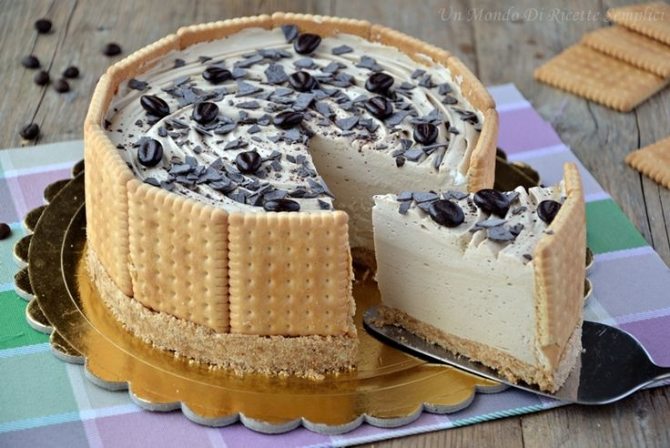 La torta fredda al caffè è un dolce semplice e gustoso che non necessita di cottura in forno. La ricetta inoltre non prevede l'uso delle uova.