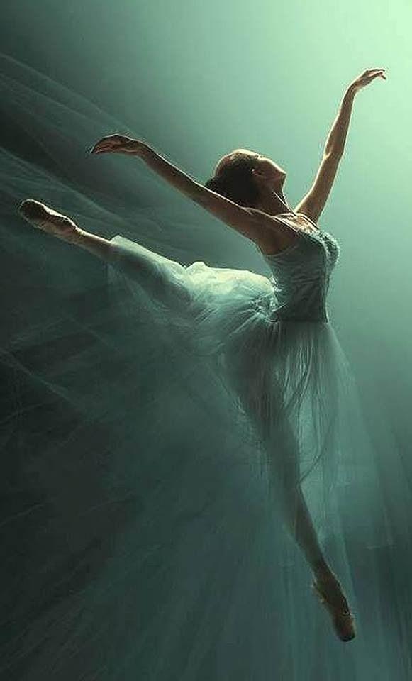 Beautiful Ballet move.........