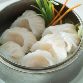 I'm not sure if this is dim sum or not, but it really looks good! I am a huge fan of Chinese food and am always trying to find an excuse to eat it. Maybe I will just have to take a lunch break today and go get some of this at a nearby restaurant.
