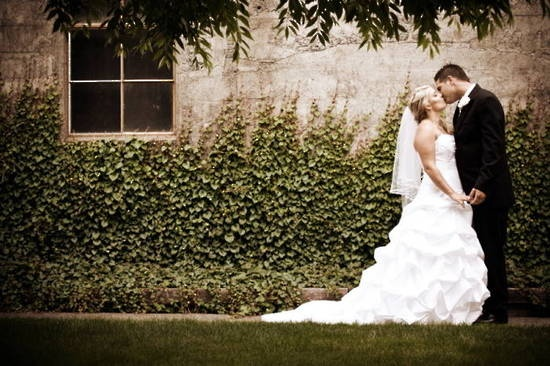 Google Image Result for http://www.evabradley.co.nz/ic/1865032204/Chuch%2520Road%2520wedding%2520photography%2520(20).jpg