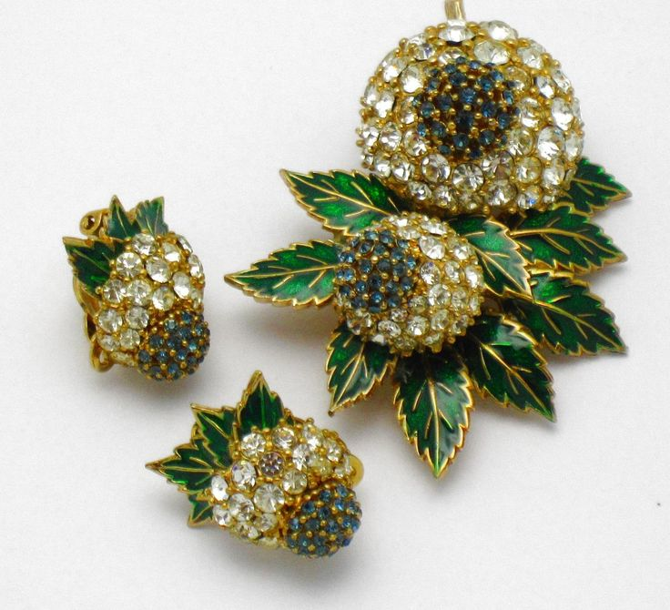 Fabulous CINER Floral Rhinestone  Brooch Earring Set