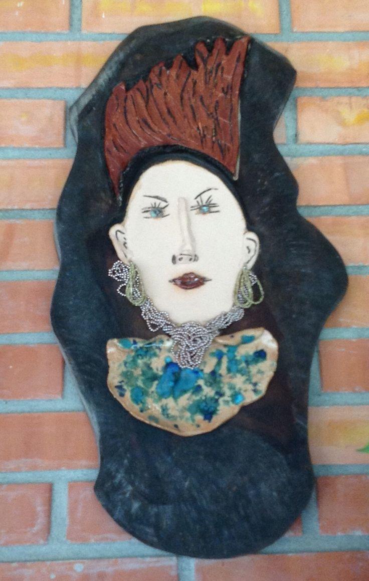 Mujer en retablo