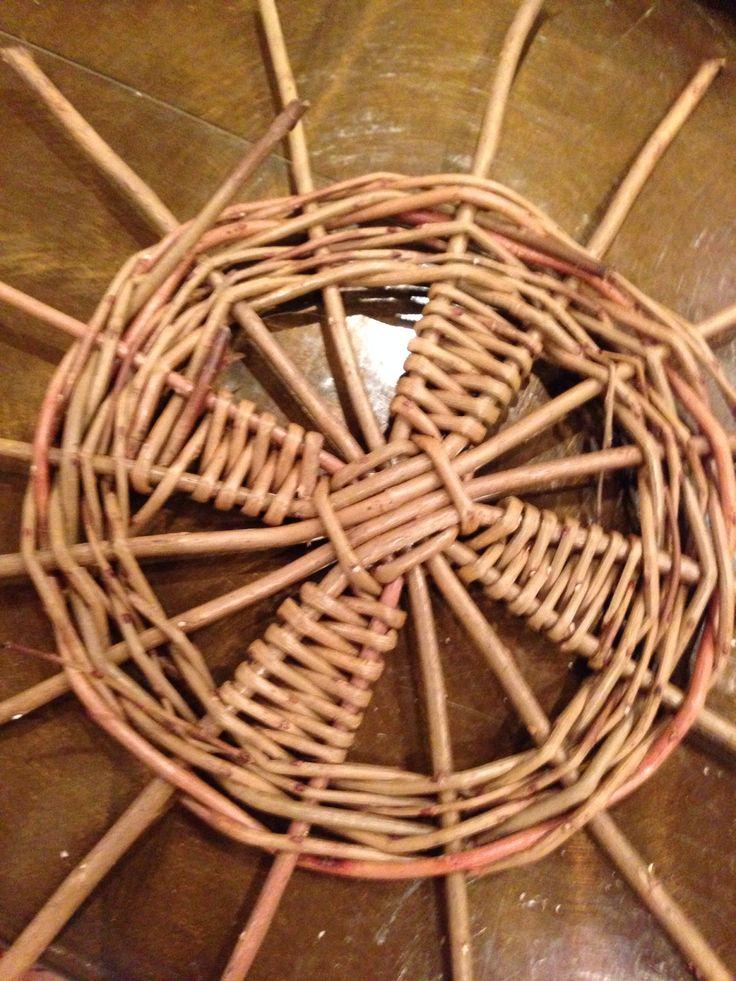 Beginning of Sciob willow basket
