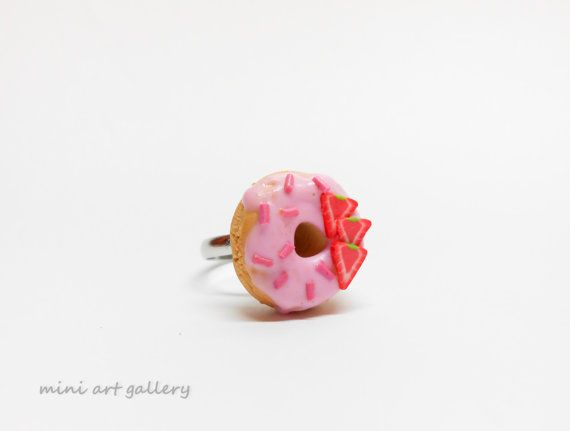Pink donut ring / polymer clay handmade ring / miniature food jewelry / Strawberry doughnut / kawaii foodie jewellery / sprinkles topping. by Mini Art Gallery