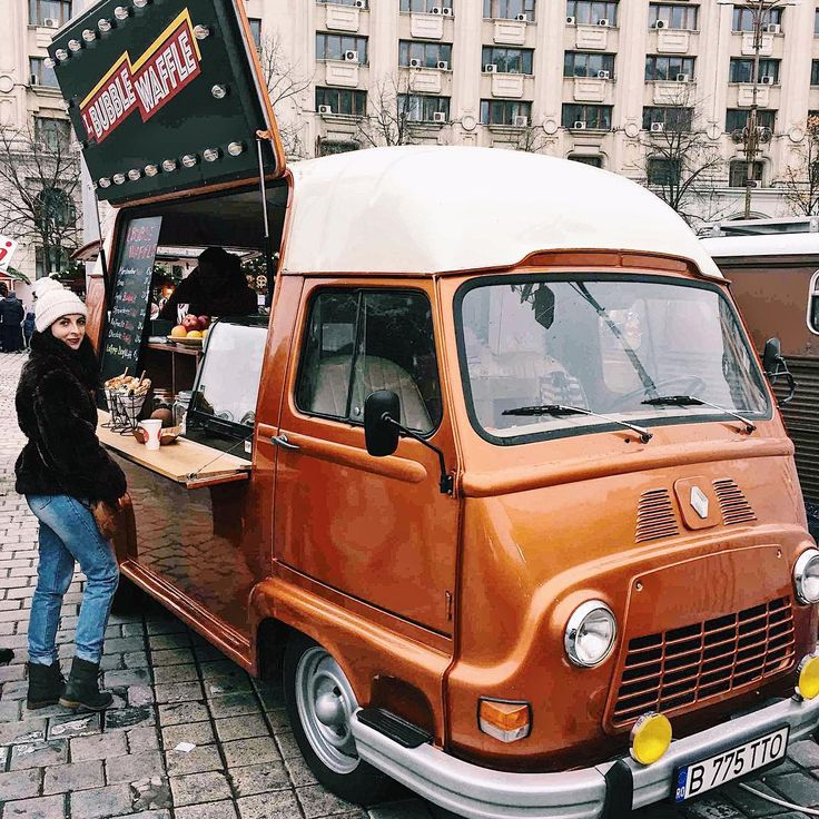 "87 Likes, 3 Comments - două locuri (@doualocuri) on Instagram: ""Saturday treats 🍦🍡 @ibubblewaffle #christmasmarket #foodvan #streetfood #waffles #ootd…"""