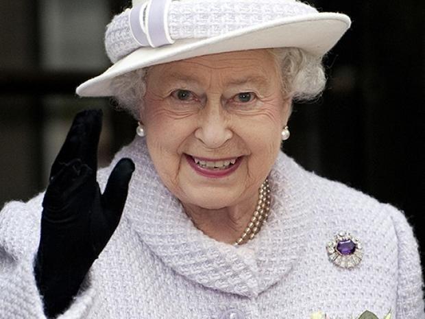Ебут королеву во дворце фото 48-514