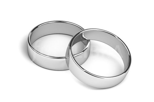 cincin couple perak memang cukup banyak dipakai oleh beberapa pasangan yang sedang dimadu asmara. Apa saja pendapat orang mengenai cincin ini?