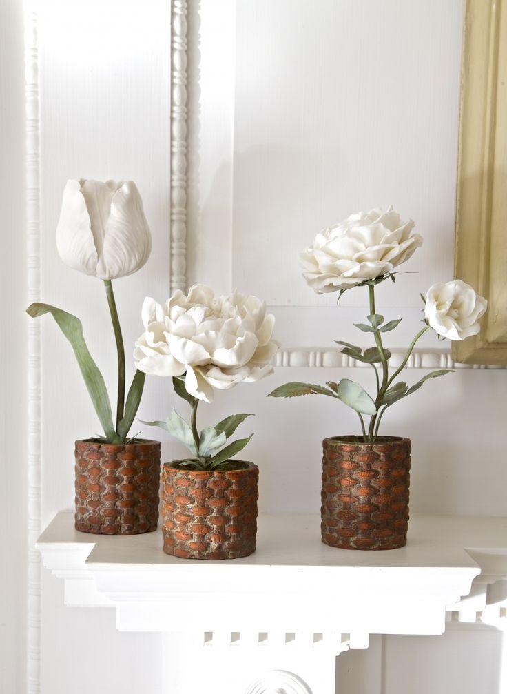 porcelain flowers - the work of artist Vladimir Kanevsky
