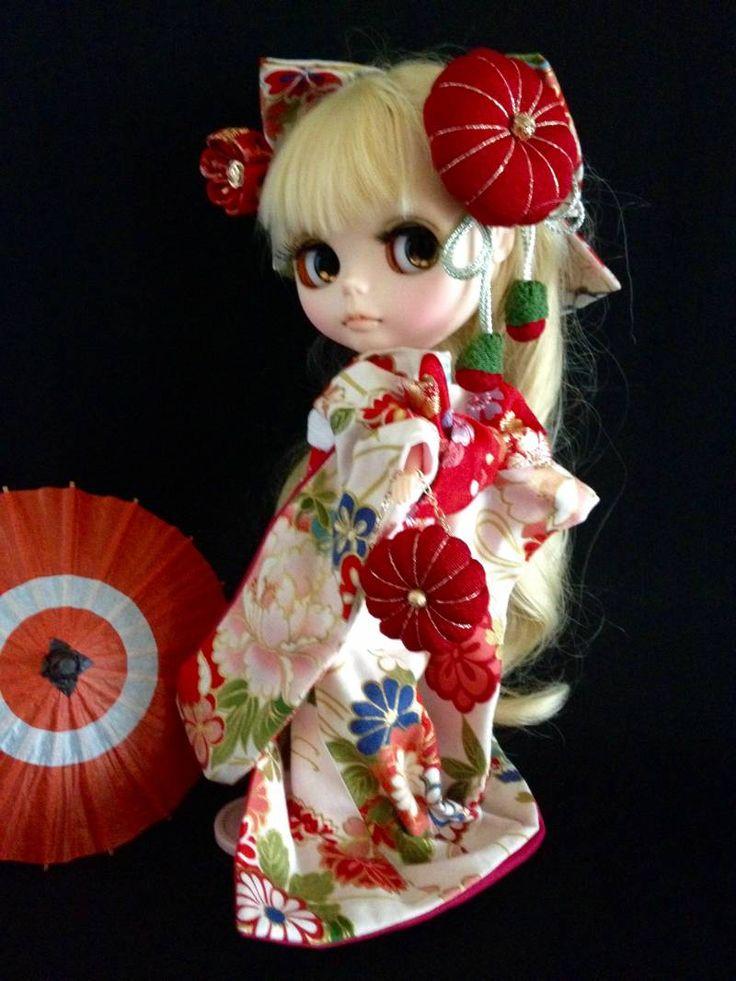 ブライスアウトフィット★蝶々と万寿菊*色鮮やかな振袖の着物★ - ヤフオク!