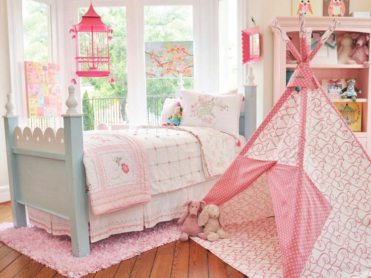 Traditional Kids Bedroom with High ceiling, Carpet, Hardwood floors, Pendant Light