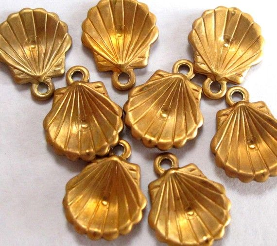 [THE LITTLE MERMAID/ARIEL]  Vintage Raw Brass Clam Shell Charms 16X V418 by EpochBeads on Etsy