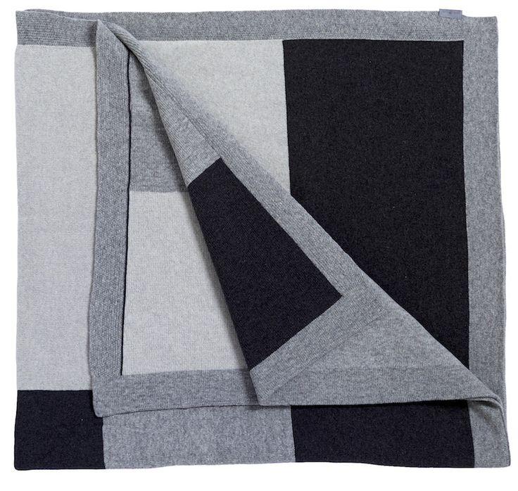 Puzzle blanket, grey
