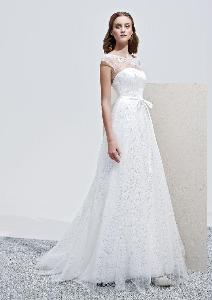 """Collezione Privée 2015 - Elisabetta Polignano Modello """"Milano"""": abito da sposa svasato con cristalli #wedding #weddingdress #weddinggown #abitodasposa"""