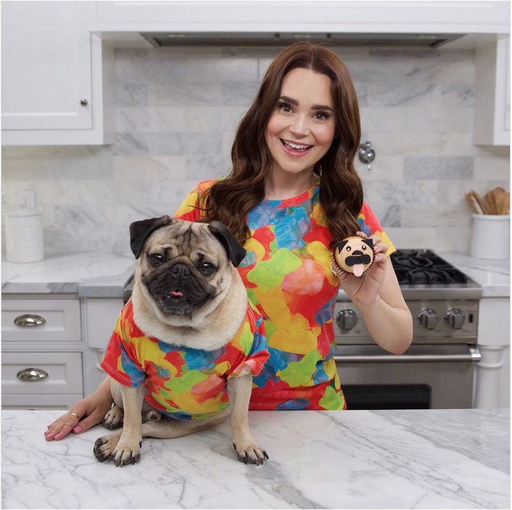 Rosanna Pansino Makes Cute Pug Cupcakes With Help From Doug the Pug