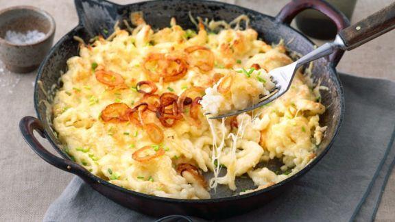 Rezept: Spätzlepfanne mit Käse und Zwiebeln
