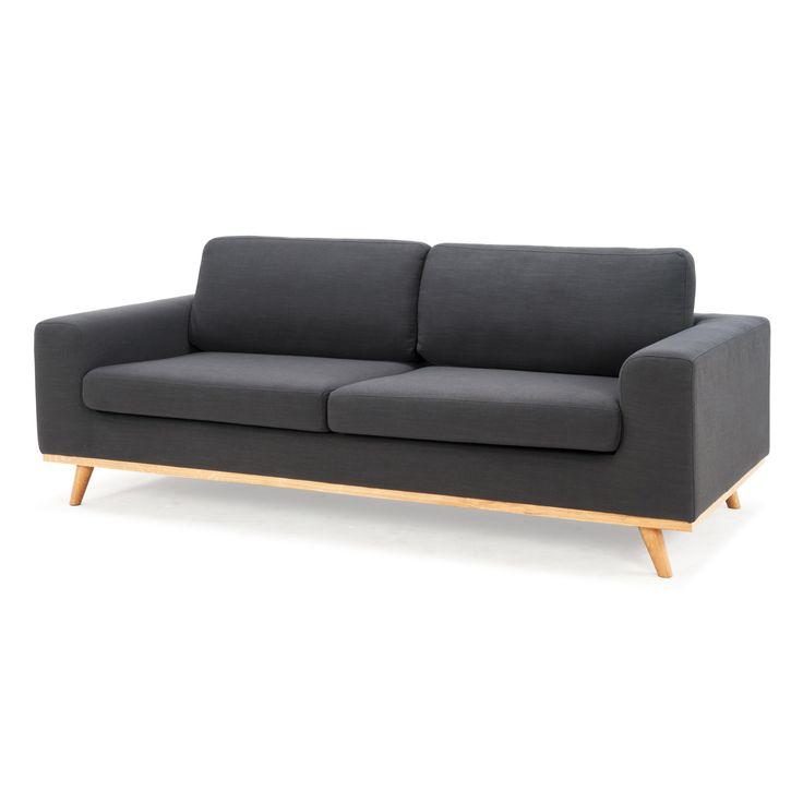 Canapé en tissu avec base et pieds inclinés en bois naturel JORGEN Arne Lykke  http://www.homelisty.com/destockage-delamaison-reductions/