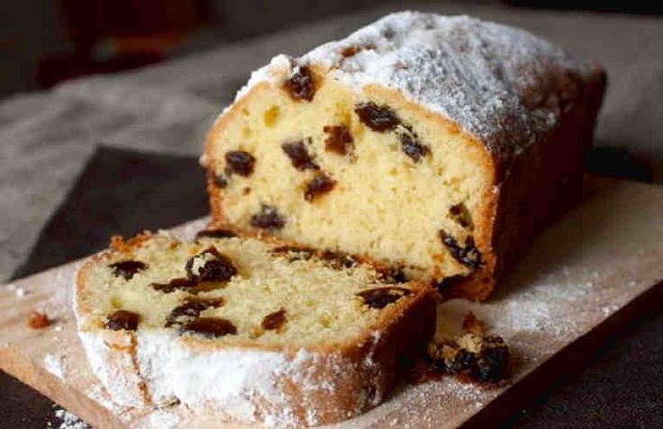 Кекс с изюмом – один из самых популярных видов кексов, которому отдают предпочтение многие хозяйки.  Существует большое количество разнообразных рецептов. Кексы ароматные и мягкие, так и хочется откусить кусочек!    Сегодня мы предлагаем вам замечательный традиционный эстонский рецепт кекса. Е
