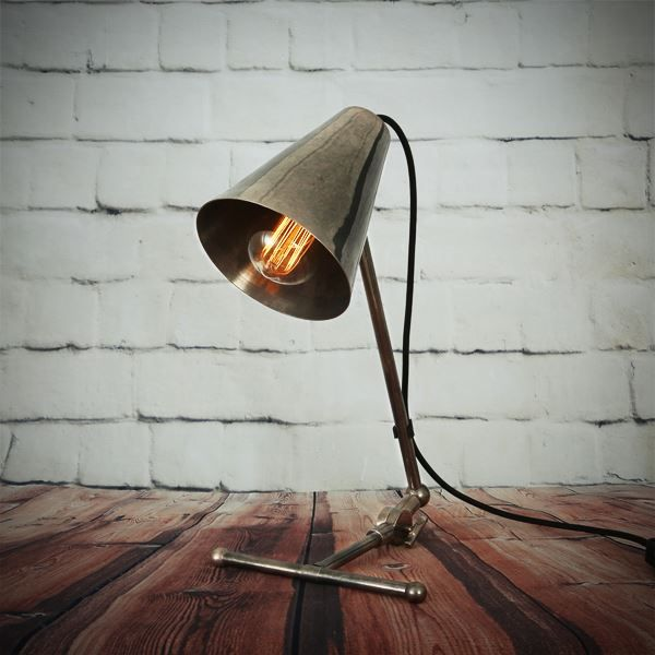 Comoro table lamp