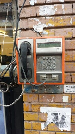 How cool is this old retro phone...