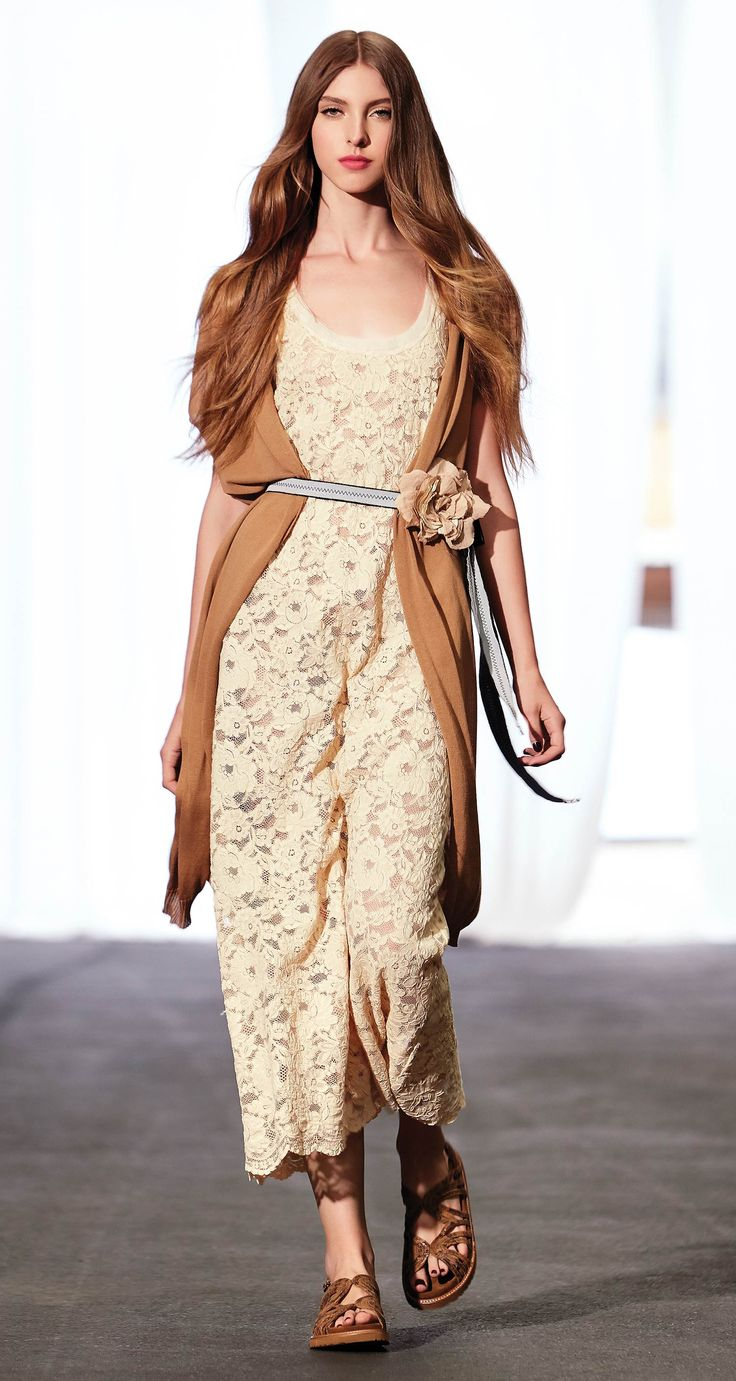 TWIN-SET Simona Barbieri, 2016 Summer collection: cotton straight line waistcoat, long dress in lace with flower belt and sandal.