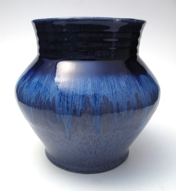 13.5cm x 14.5cm LARGE VINTAGE MELROSE WARE AUSTRALIAN POTTERY BLUE DRIP GLAZE VASE similar to V.18