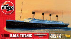 Anniversary year - Airfix Kit - RMS Titanic 1:700