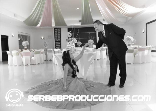 Modelo Blanco y Negro Haz Clic en http://serbebproducciones.com/ Para ver mas fotos