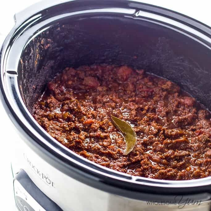 An easy keto low carb chili recipe without beans. Instructions for a Crock Pot slow cooker or Instant Pot pressure cooker! Common ingredients & 15 min prep.