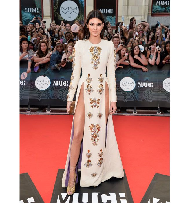 Kendall Jenner Wears Double-Slit Dress to the MuchMusic Awards - Kendall Jenner Fausto Puglisi - Elle