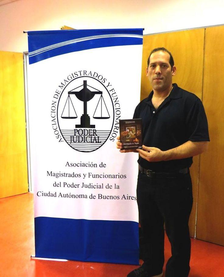 Borrando a Papá en las jornadas de la Asociación de Magistrados y Funcionarios Judiciales de la Ciudad Autónoma de Buenos Aires