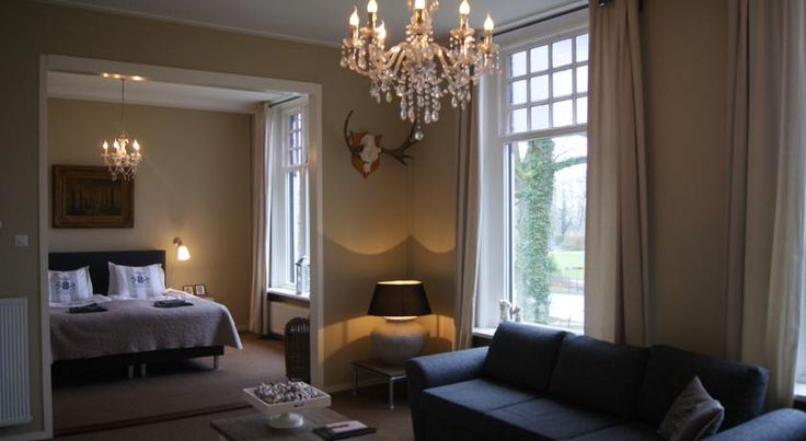 €95 Bed & Breakfast Rijsterbosch is located at the Rijsterbos in Rijs, also known for its watersport activities due to all the lakes in the surrounding area.