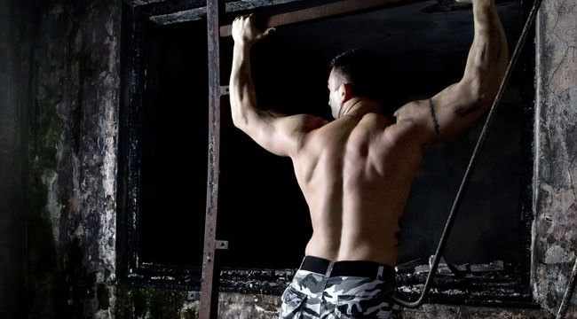 Full-Spectrum Strong: Army Ranger Workout Get the workout that whips Army Rangers, one of the most elite military forces, into fighting shap...