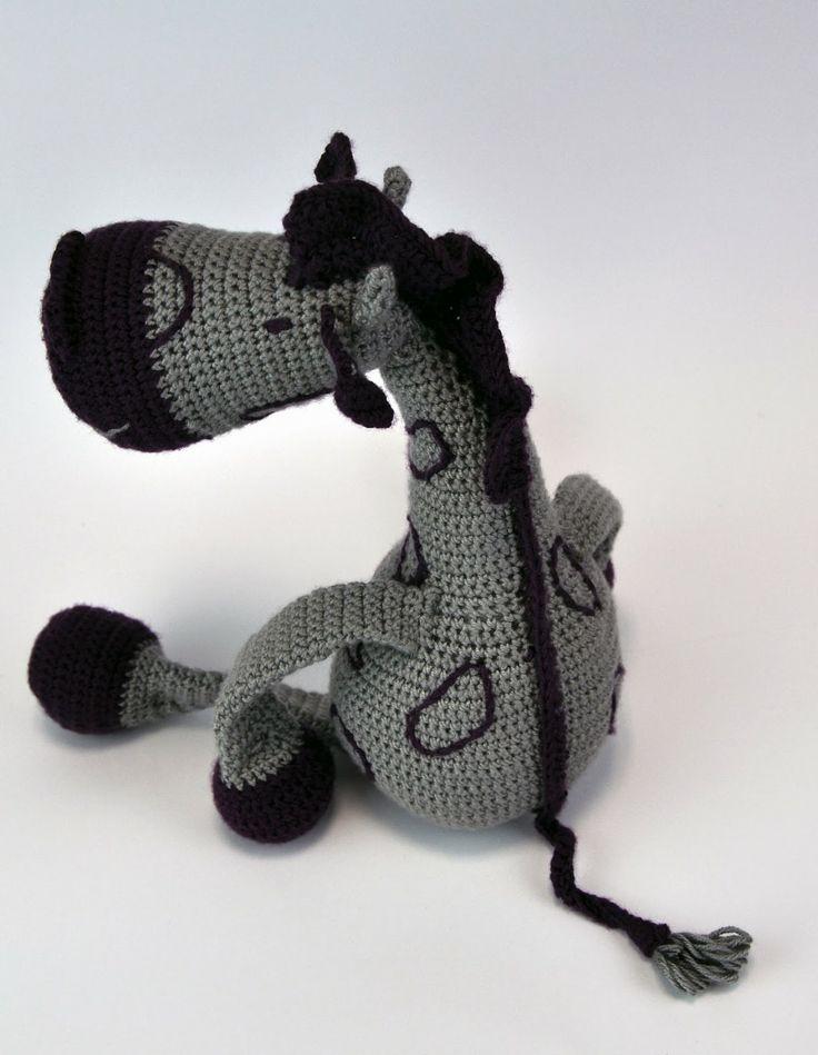 crochet gitaffe - DIY, handmade