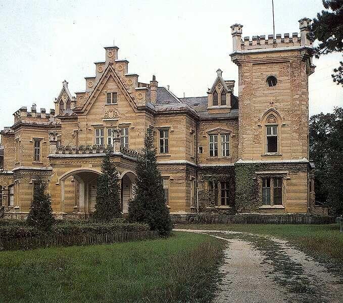 A Tudor stílusú nádasdladányi Nádasdy kastély