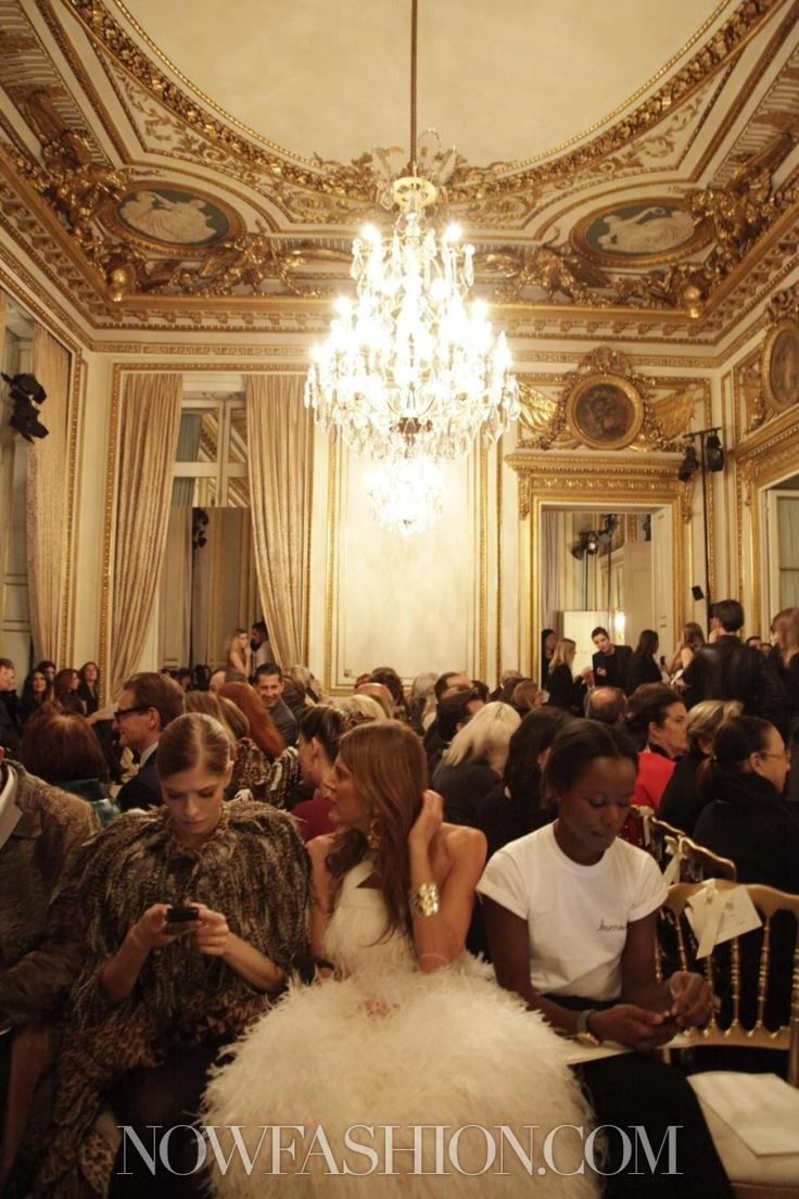 @FRASCOGNAMIGLIO Anna Dello Russo 's Giambattista Valli plumed look channels gorgeous chandelier at #phc show